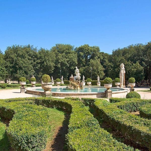 The garden of Borghese gallery