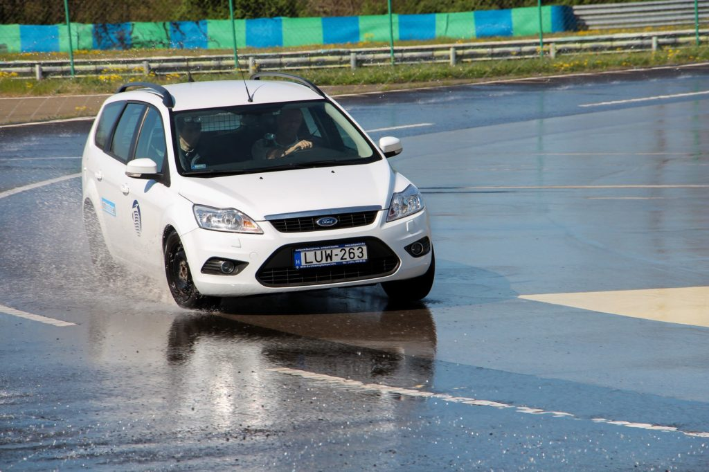 Wet Braking Tyre Test