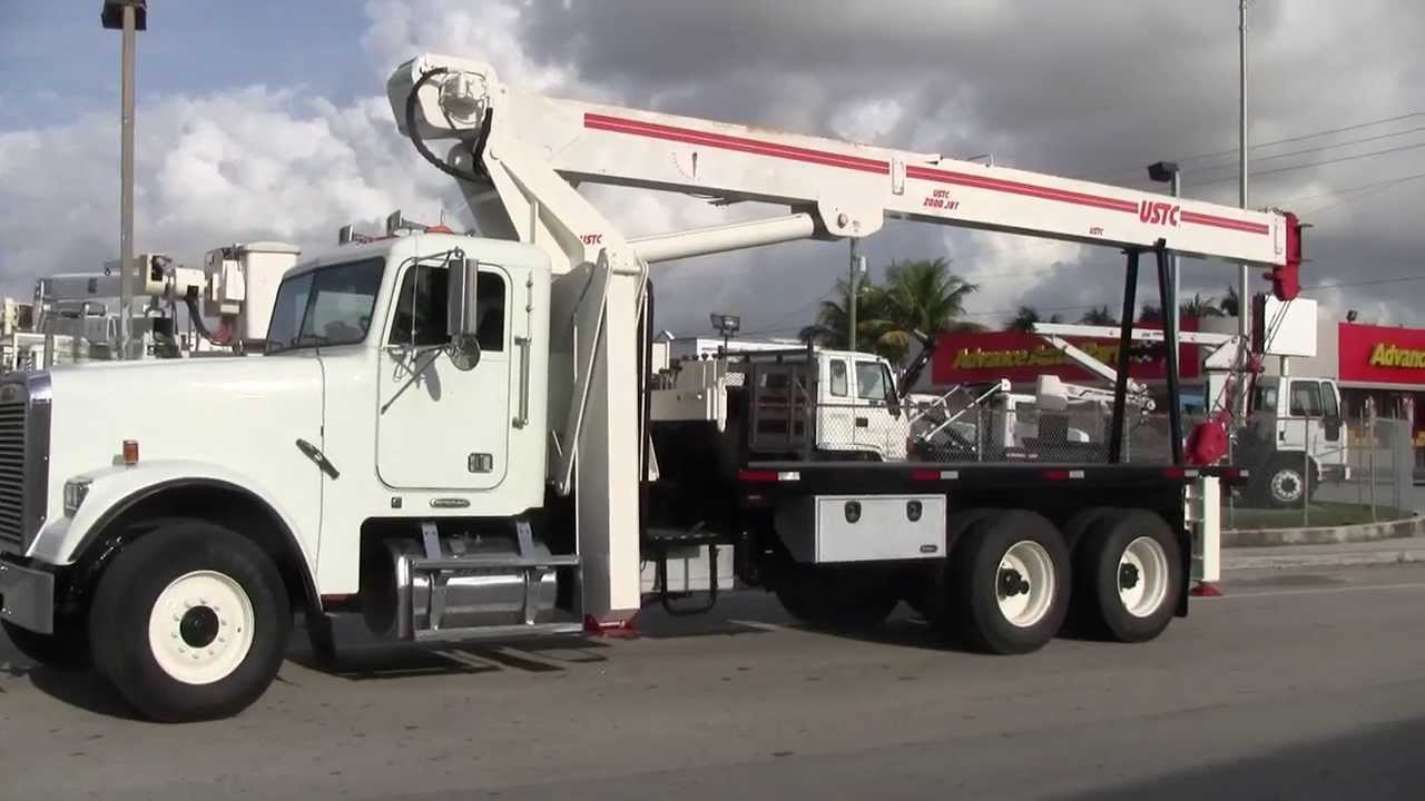 4 Things to Consider When Purchasing Crane Trucks for Sale