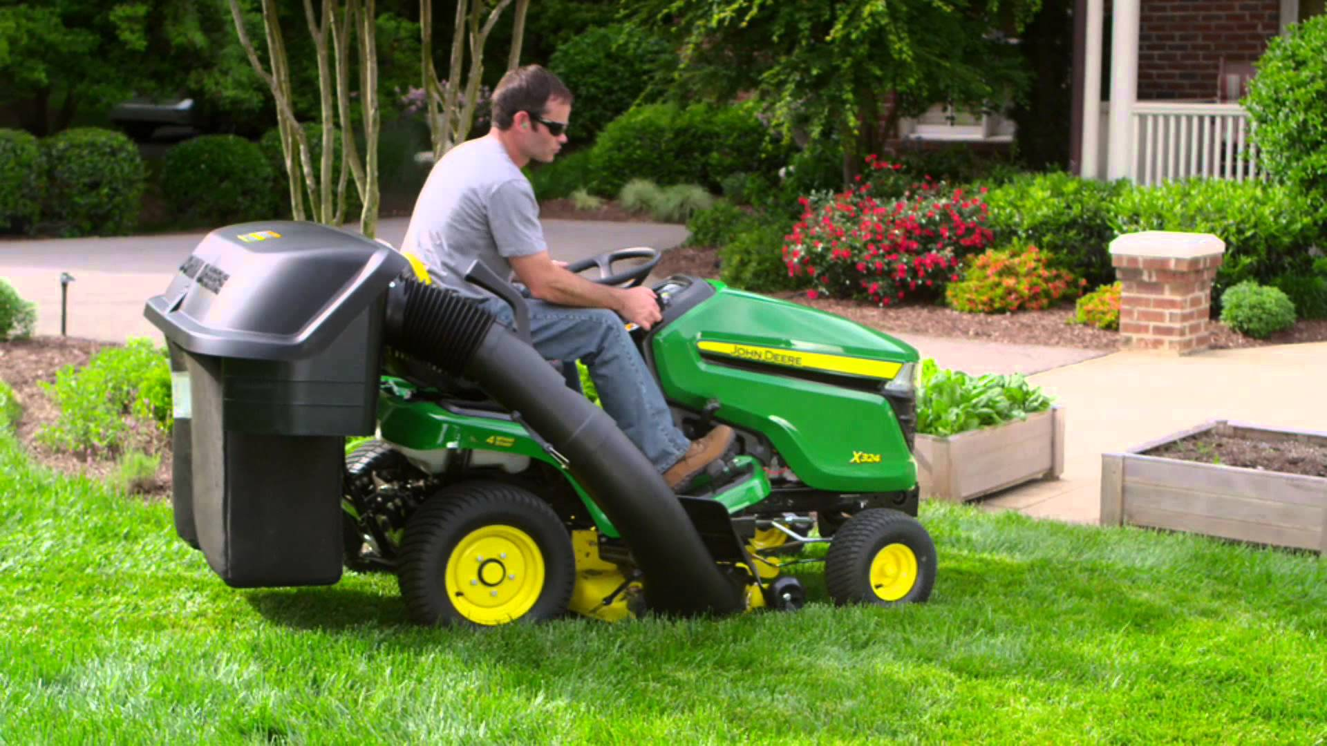 How Do Riding Lawn Mowers Work?