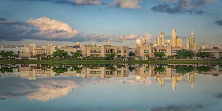 Emirates Hills Dubai, Ultimate Location for Buying a Villa