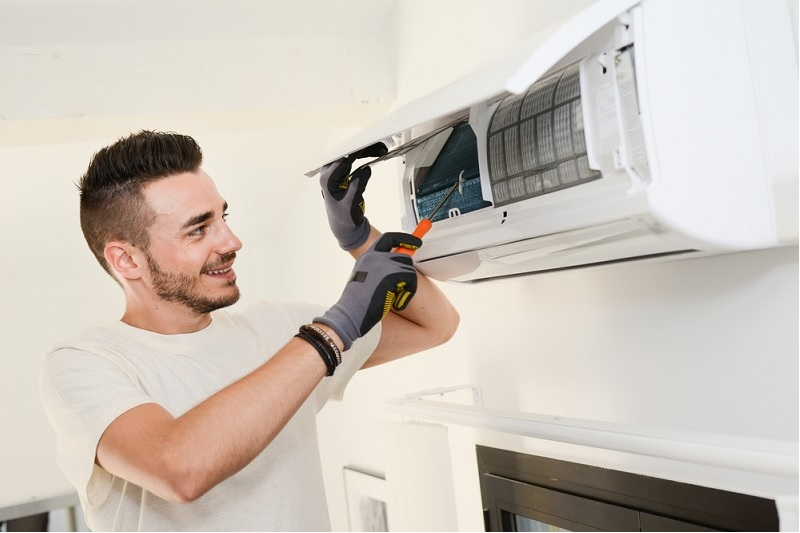 Questions to Ask Before You Hire a Contractor for Domestic Air Conditioning Service