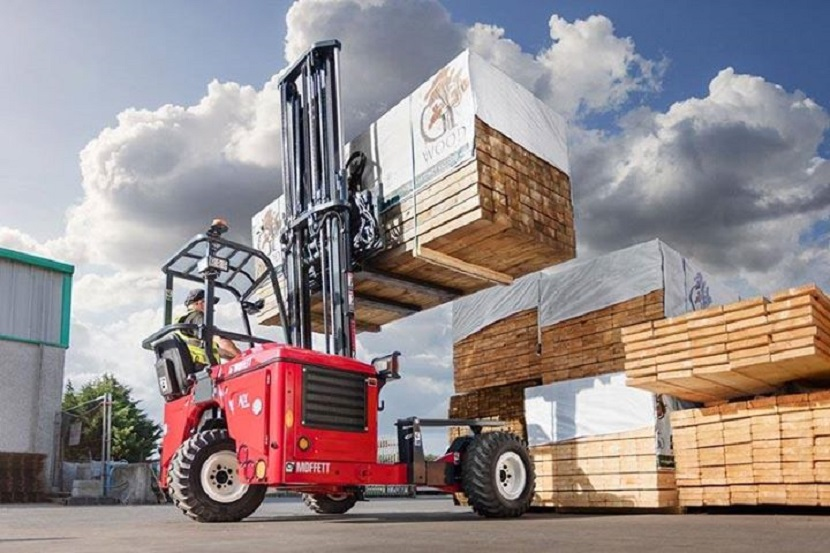 Differences between Conventional Forklifts and Moffett Truck Mounted Forklifts