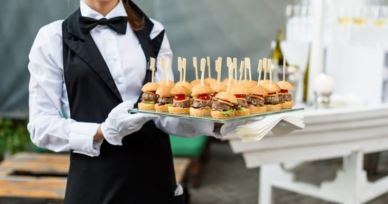 8 Reasons to Go for Finger Food Catering for Your Next Event