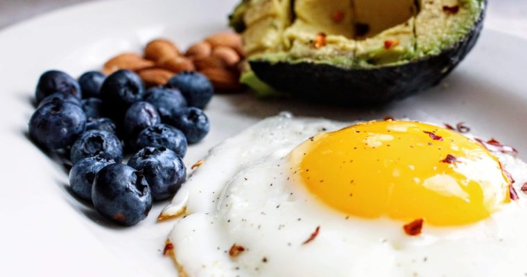 7 Superfoods You Can Eat to Improve Your Cognitive Abilities