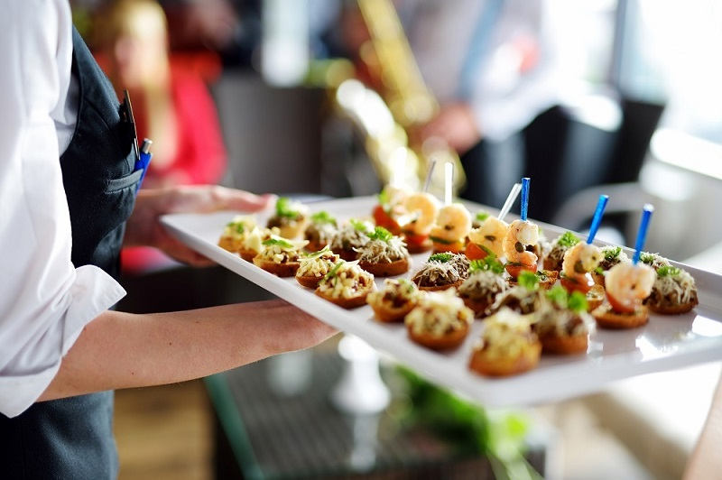 10 Questions to Ask Your Caterer Before Hiring Him for Catering Events