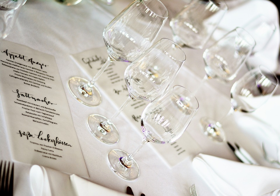 8 Tips to Plan the Wedding Menu