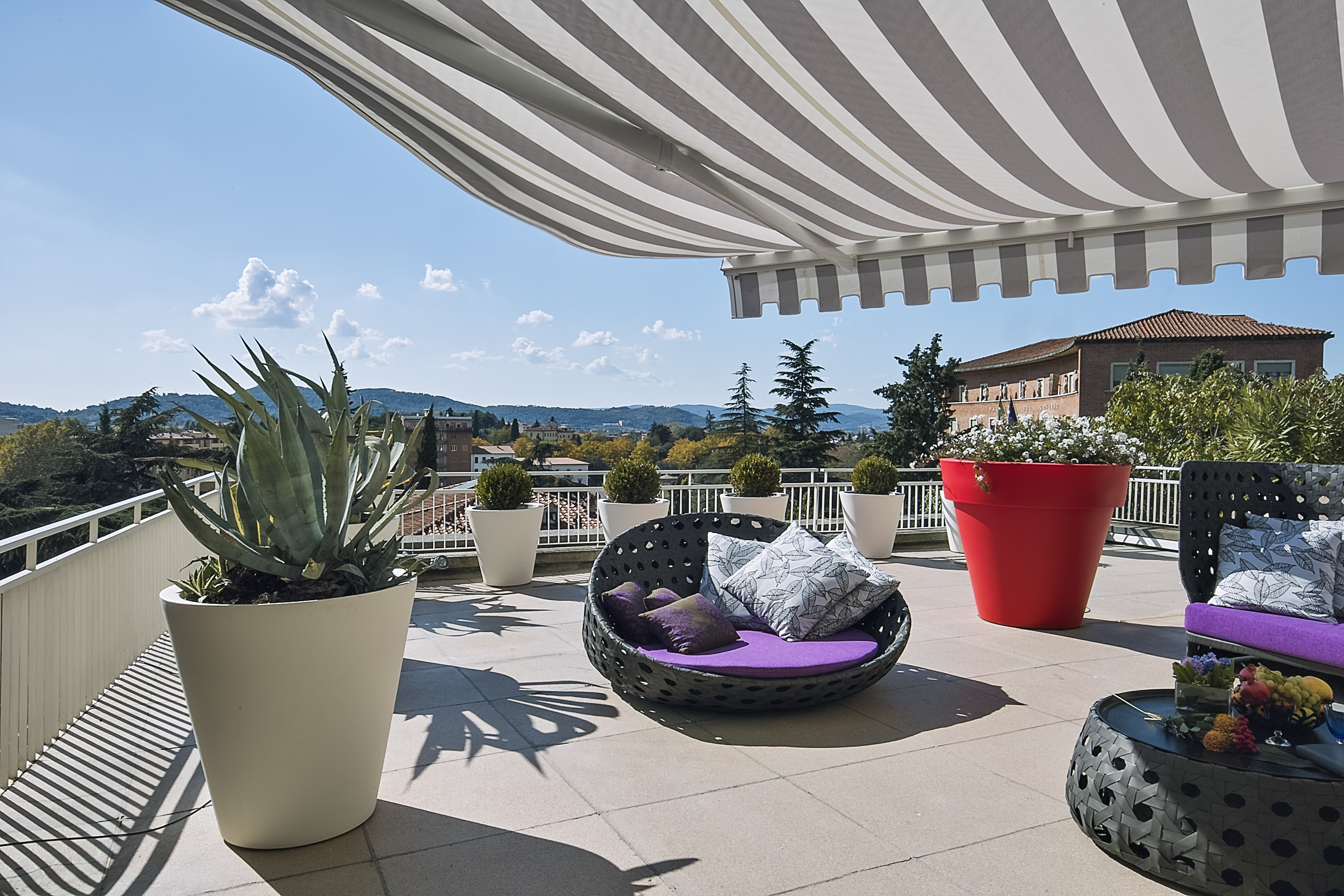 A Few Facts About A Retractable Patio Roof