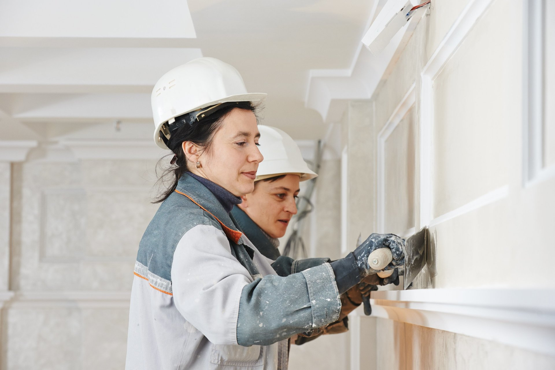 Why Choose Architectural Cornices and Mouldings for the House?