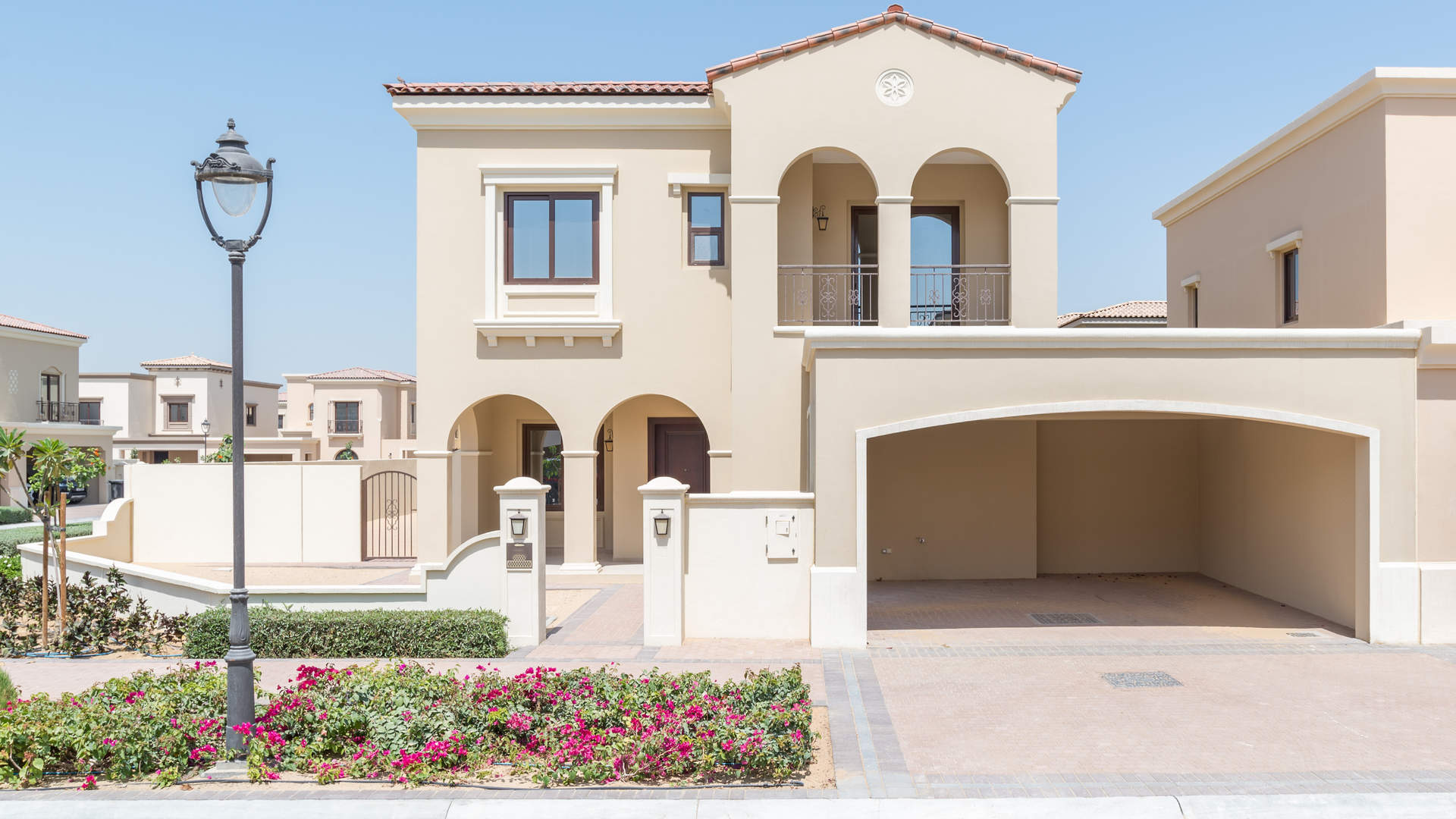 Enjoy A Luxury Lifestyle In Dubai's Upscale Community Arabian Ranches