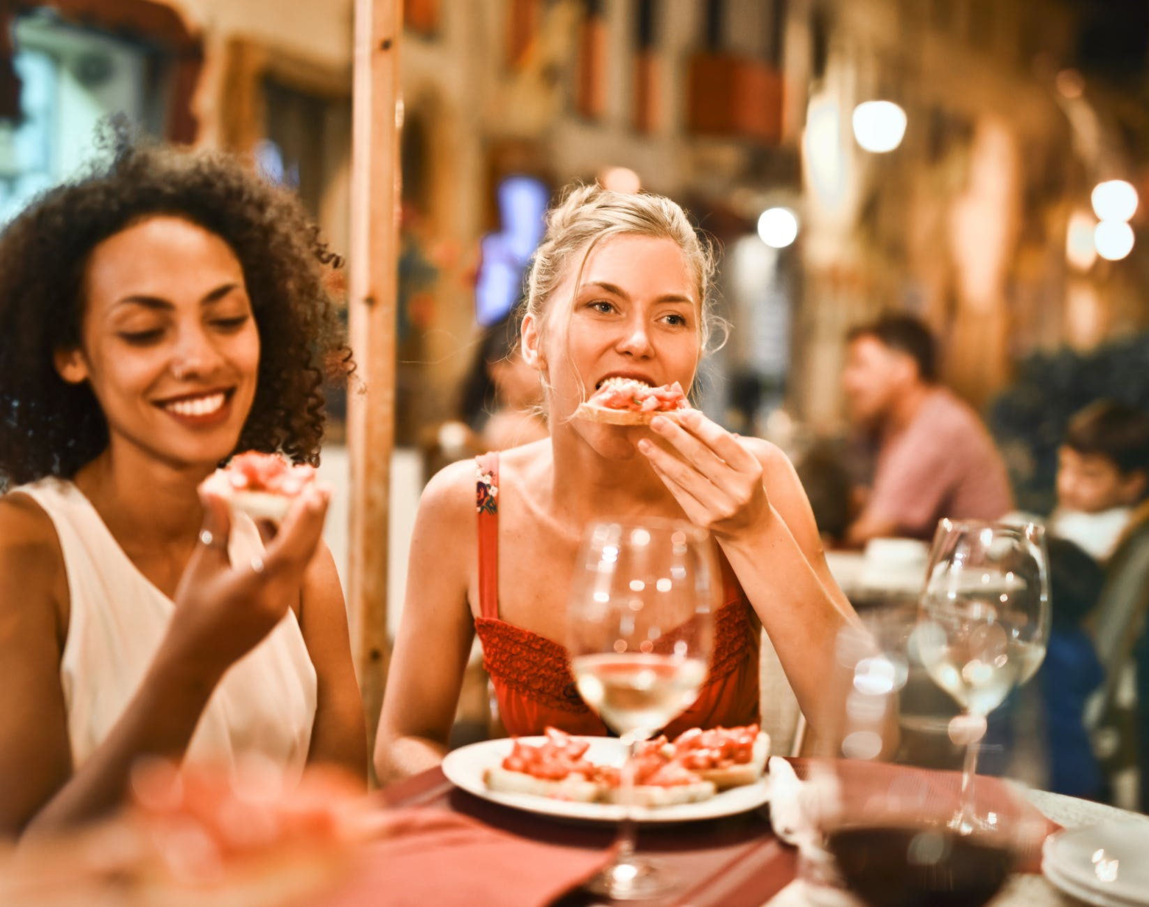 Plan a Perfect Corporate Party Considering 2019 Party Trends