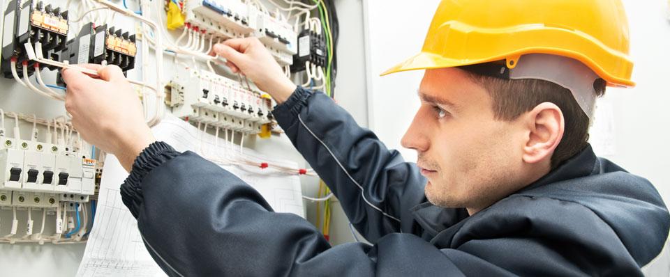 Factors to Consider When Hiring Electrical Contractors - WanderGlobe