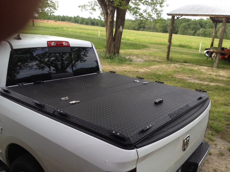 How To Choose Truck Bed Covers Right Tonneau Cover For The Truck Wanderglobe